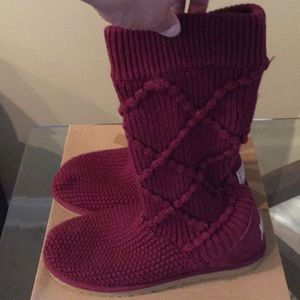UGG Sweater Boots sz 10